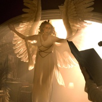 On Stasis, Mobility, and Postmodernism: Tony Kushner's Angels in America